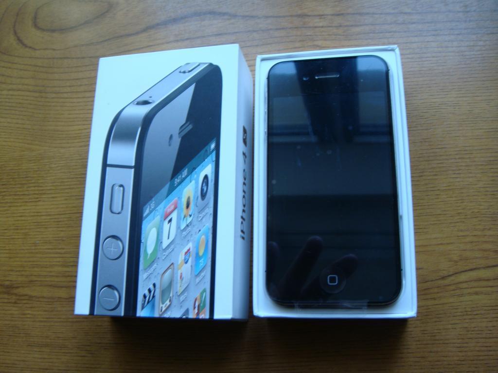 Apple iPhone 4 16Gb  белый - ОРИГИНАЛ - В наличии! - РосТест - немного б/у