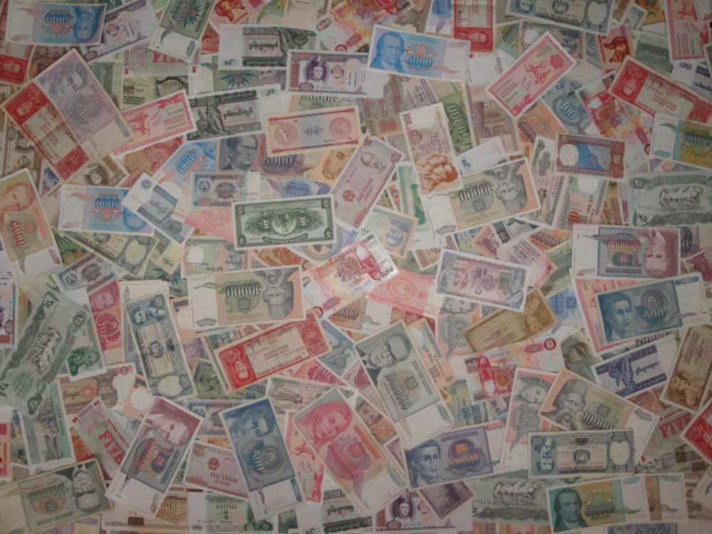 400 иностранных банкнот и расчетных знаков c начала 20 века