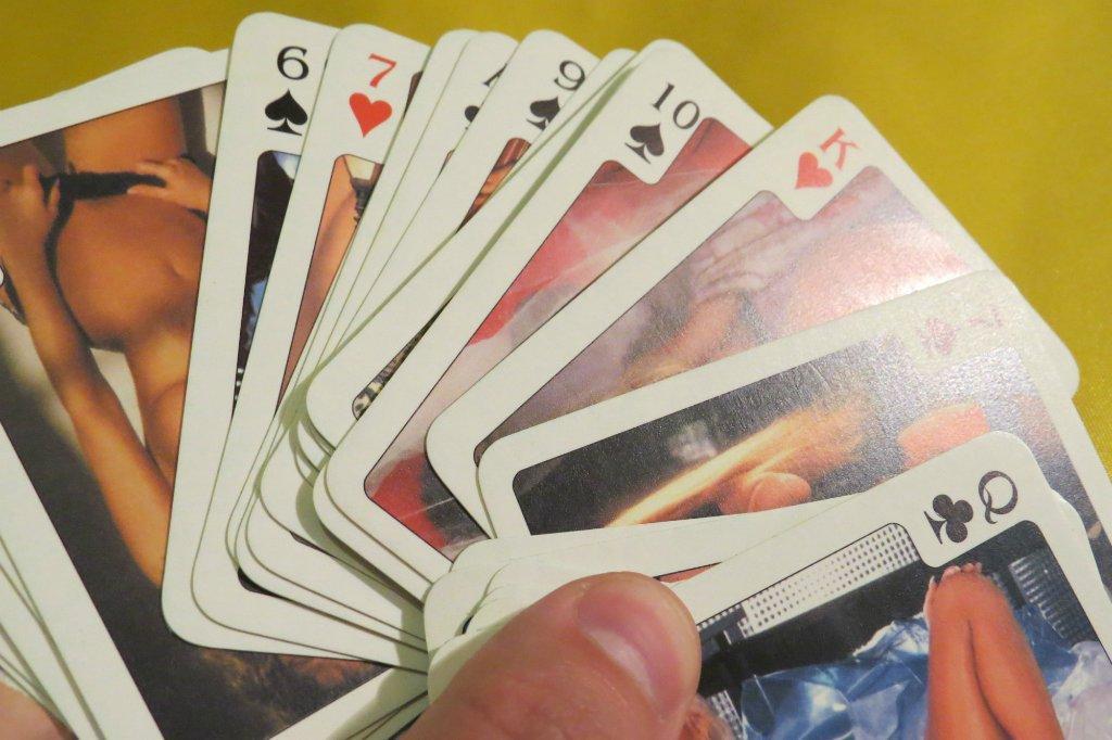 Секс на игральных картах фото 33