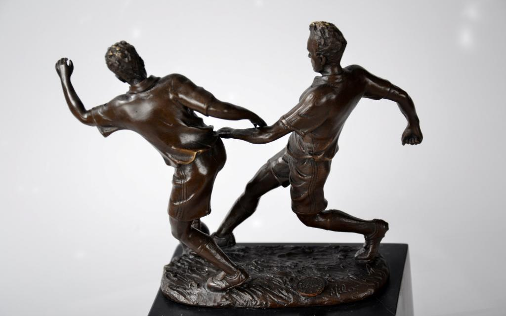 Бронзовая статуэтка MILO футбол бронза футболисты