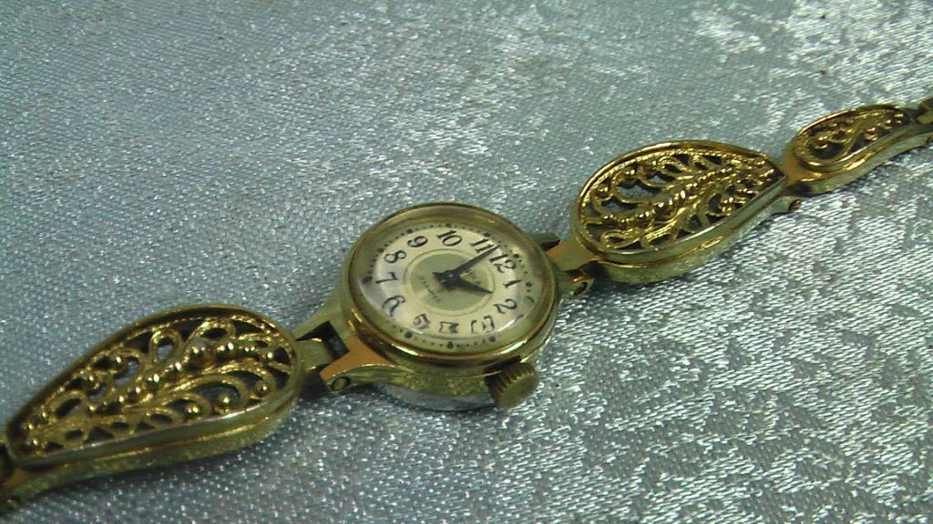 Продать часы чайка швейцарских ломбард в часов спб