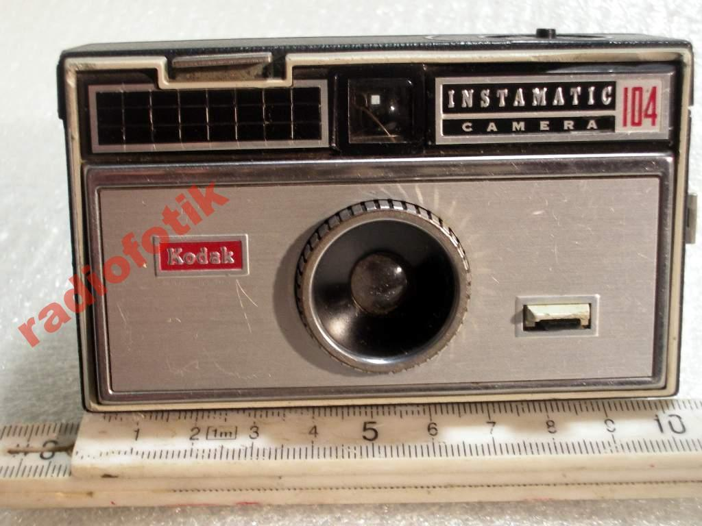 KODAK INSTAMATIC-104 CAMERA