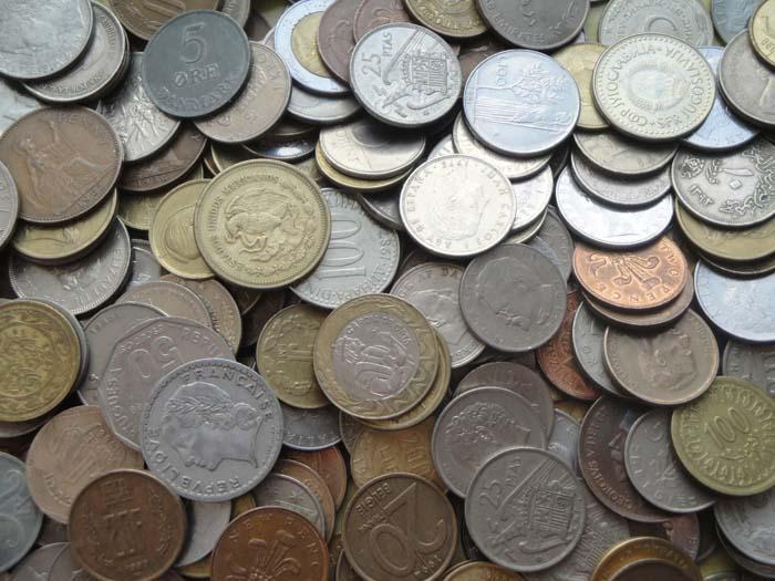 1 килограмм иностранных монет