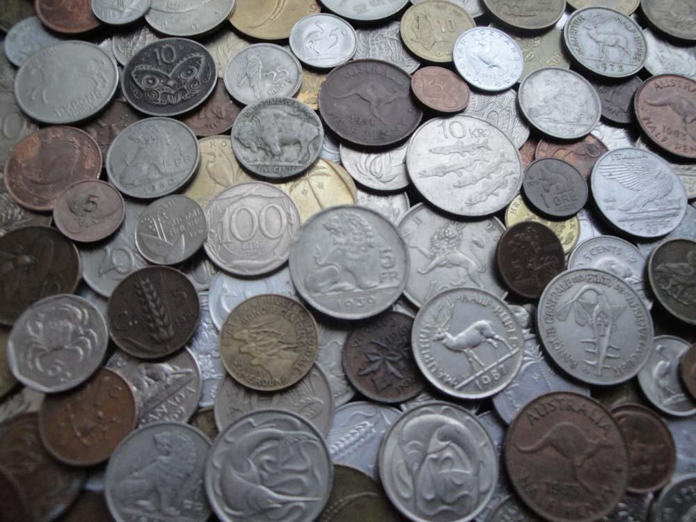100 иностранных монет - Флора и Фауна