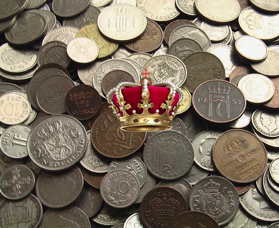 100 монархических монет