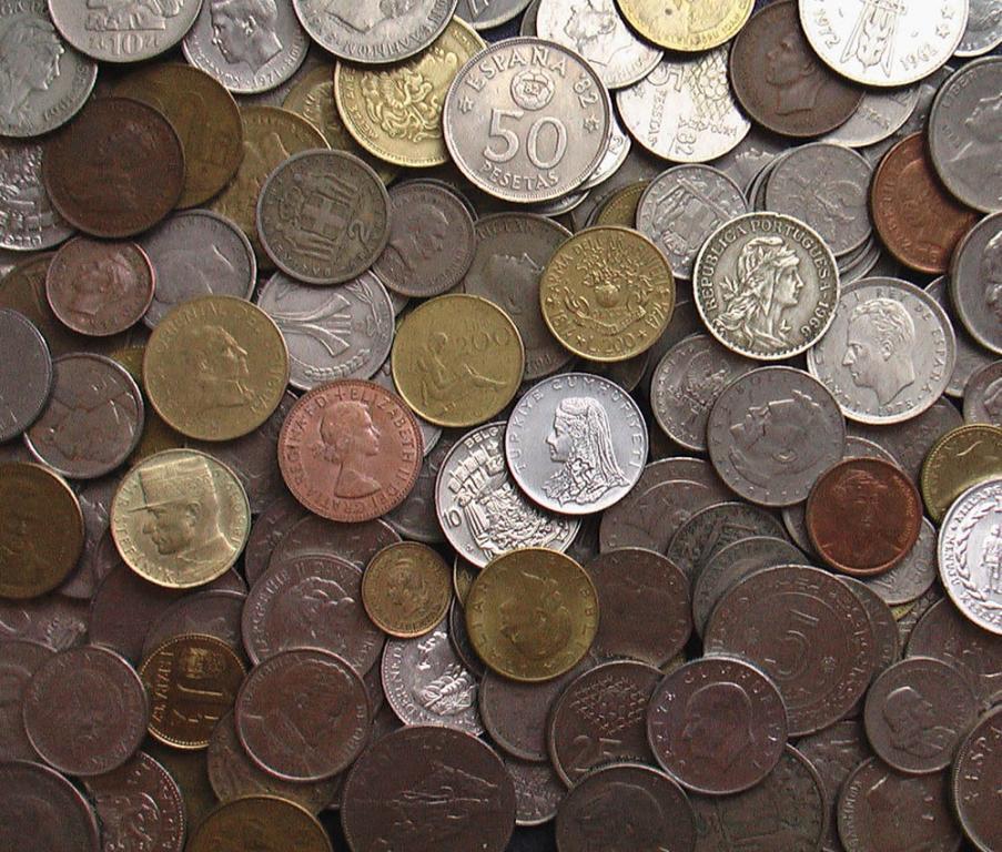 100 портретных монет одним лотом