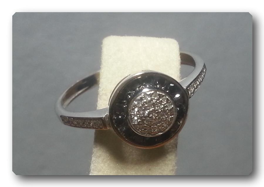 Кольцо из белого золота 585 пробы с белыми и чёрными бриллиантами