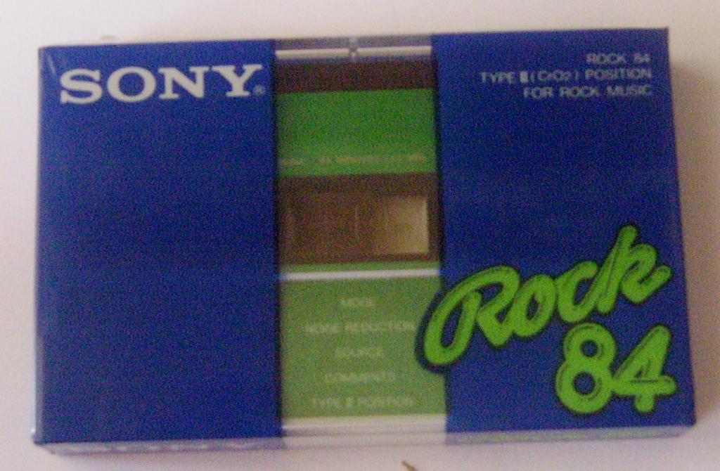аудиокассета SONY ROCK 84 (1982) ХРОМ  запечатанная JAPAN
