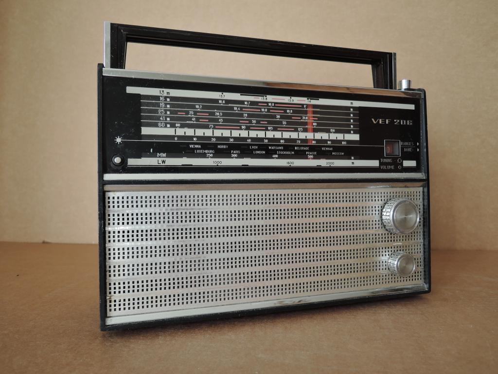 VEF 206 , ЧЕРНАЯ ШКАЛА ! ЭКСПОРТ ! с 13-ти метров , радиоприёмник радиоприемник