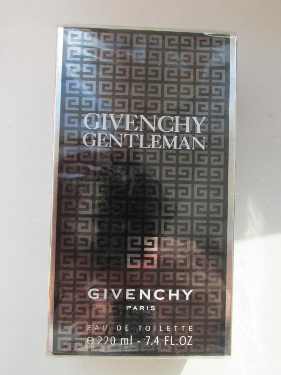 Givenchy Gentleman 220 мл слюда