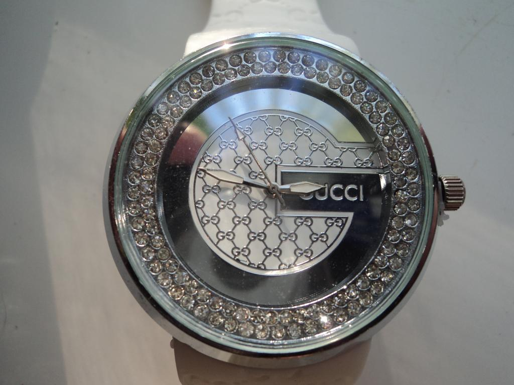 Оригинальные часы Gucci