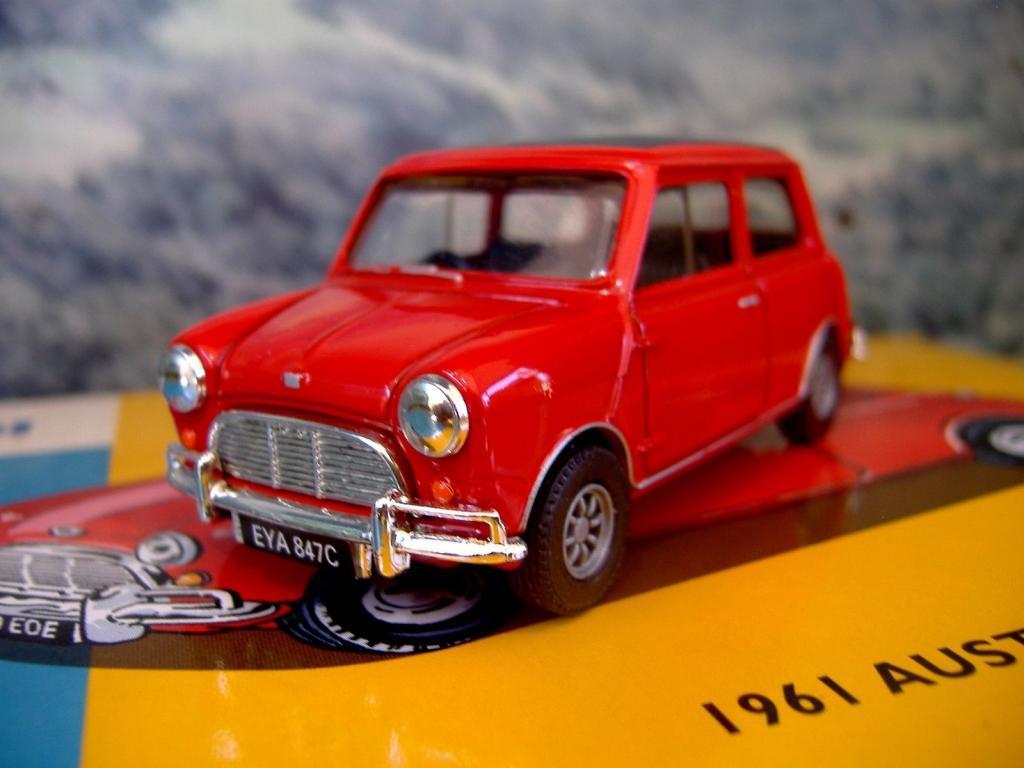 1/43 Corgi AN02528 Austin seven cooper 1961 limited edition