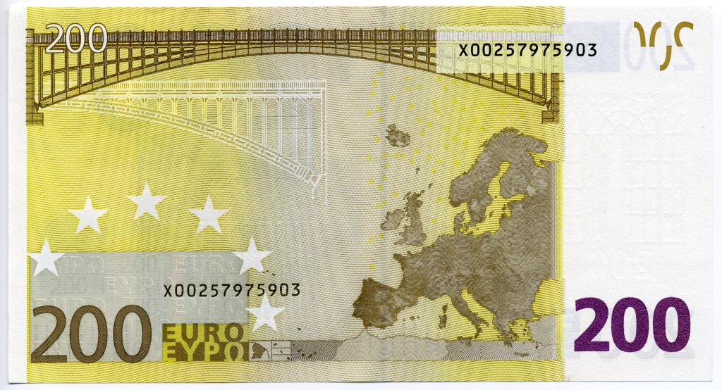 Купюра 200 евро 4110110