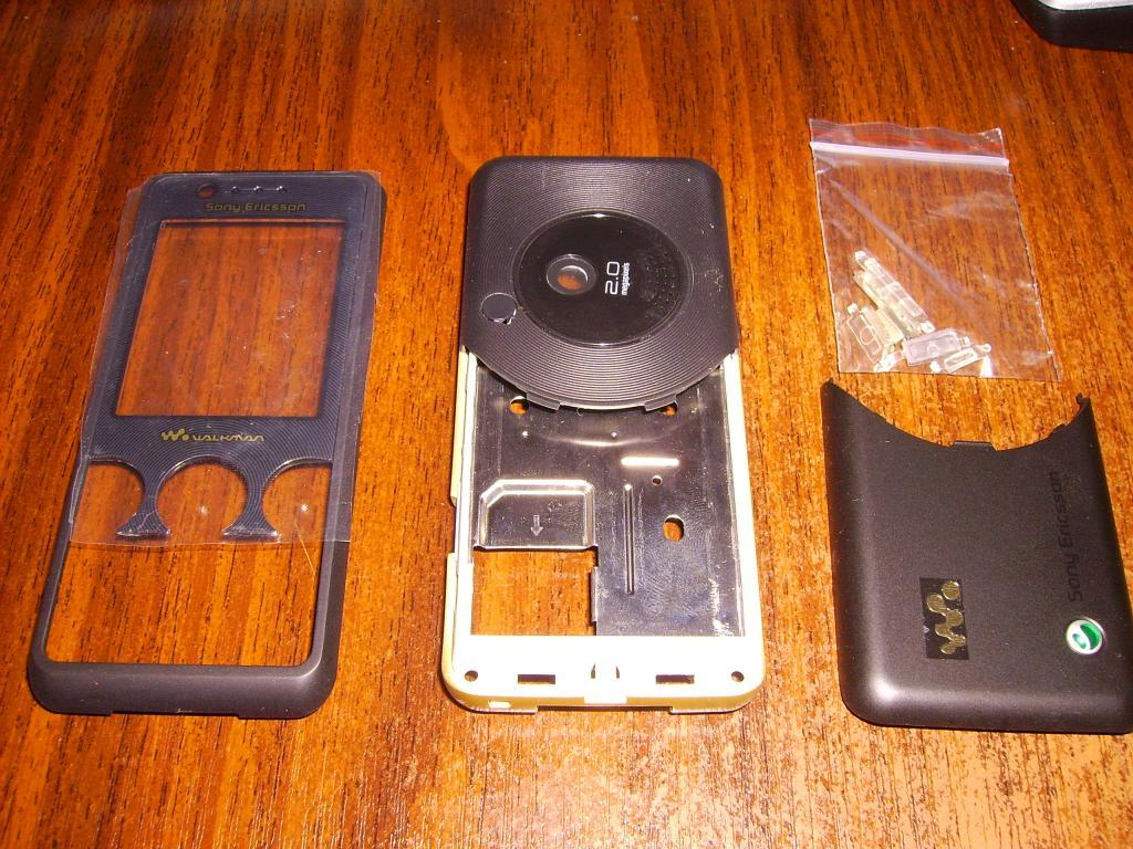 Корпус Sony Ericsson W660.