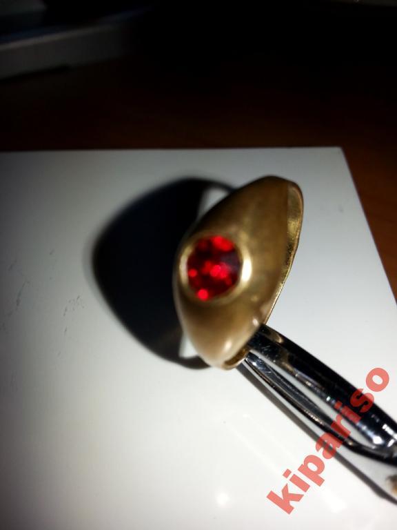 Кольцо СССР покрытие позолота,проба.камень красный