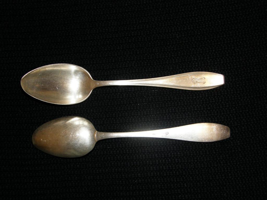 Две старые ложки мельх. с монограммой Welner-Silber со слоном,  № 10