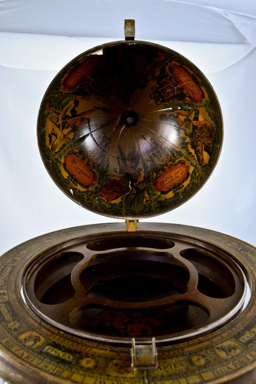 Оригинальный глобус-бар «Esplorazioni geografiche». Европа.  Арт. 700374