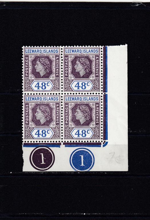 LEEWARD  ISLANDS   Королева  № 127  1954  Кварт  Угол  Сост**