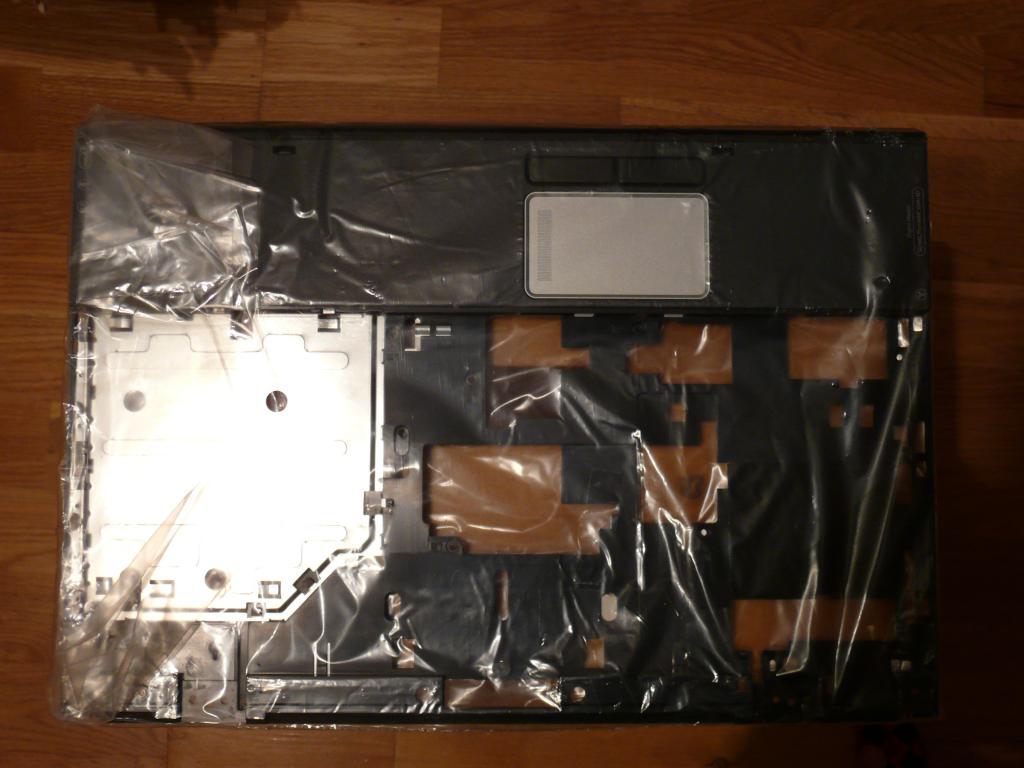 Запчасть для ноутбука HP Compaq. Новая, в упаковке. Код запчасти 403822-001.