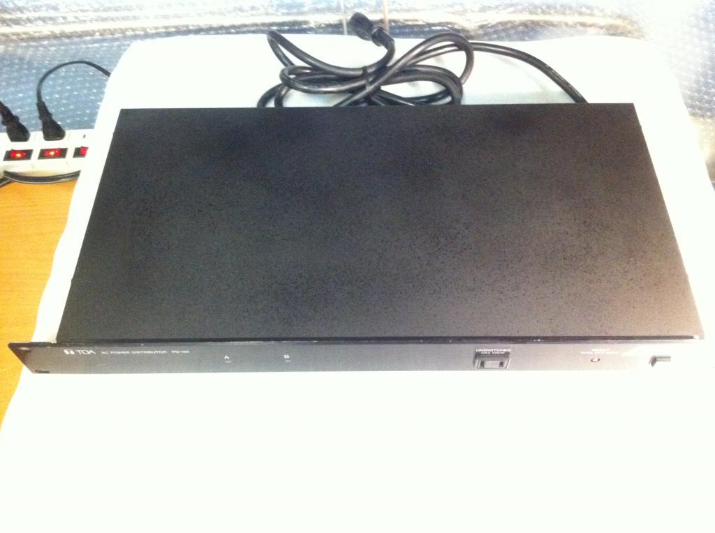 TOA PD-150 Сто вольтовый разветвитель по питанию на 13 розеток.