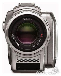 Лучшая видеокамера в своем классе Sony DCR-HC85E