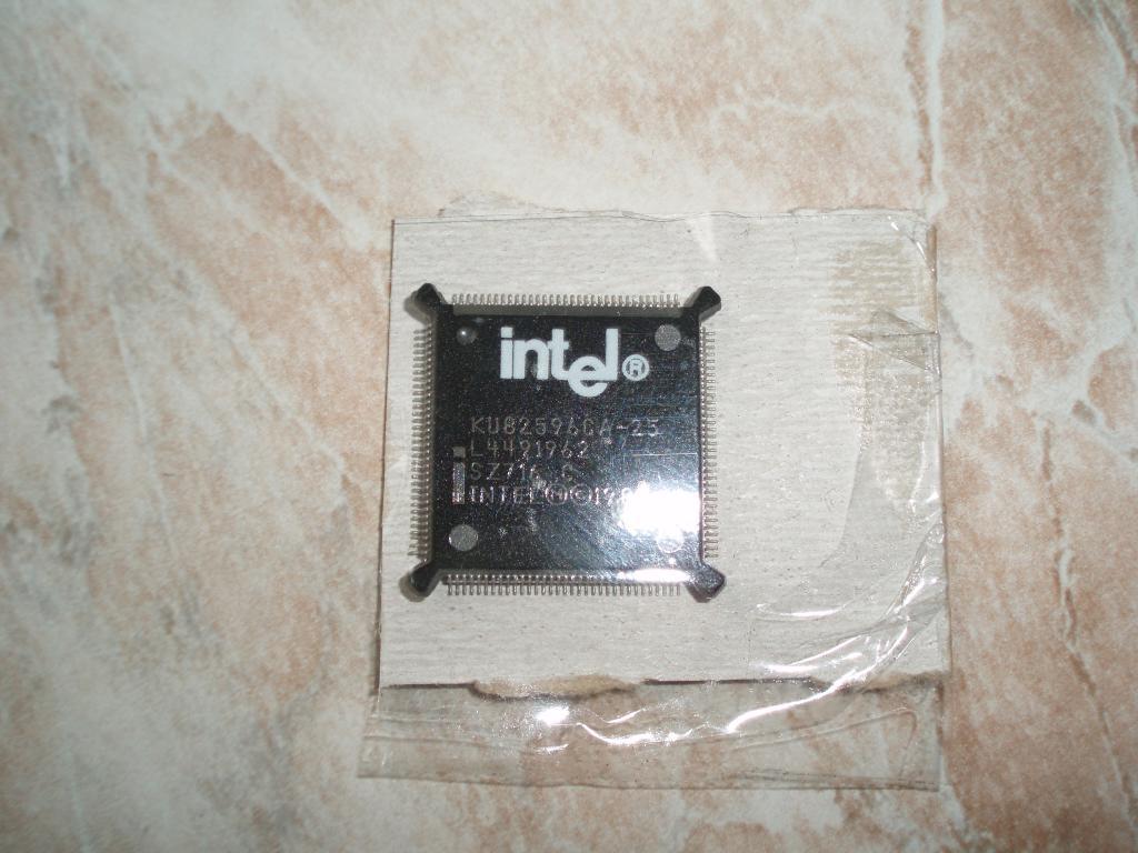 intel KU82596CA-25 IC LAN COPROC 5V 25MHZ 132-QFP LAN Controller, Single Port