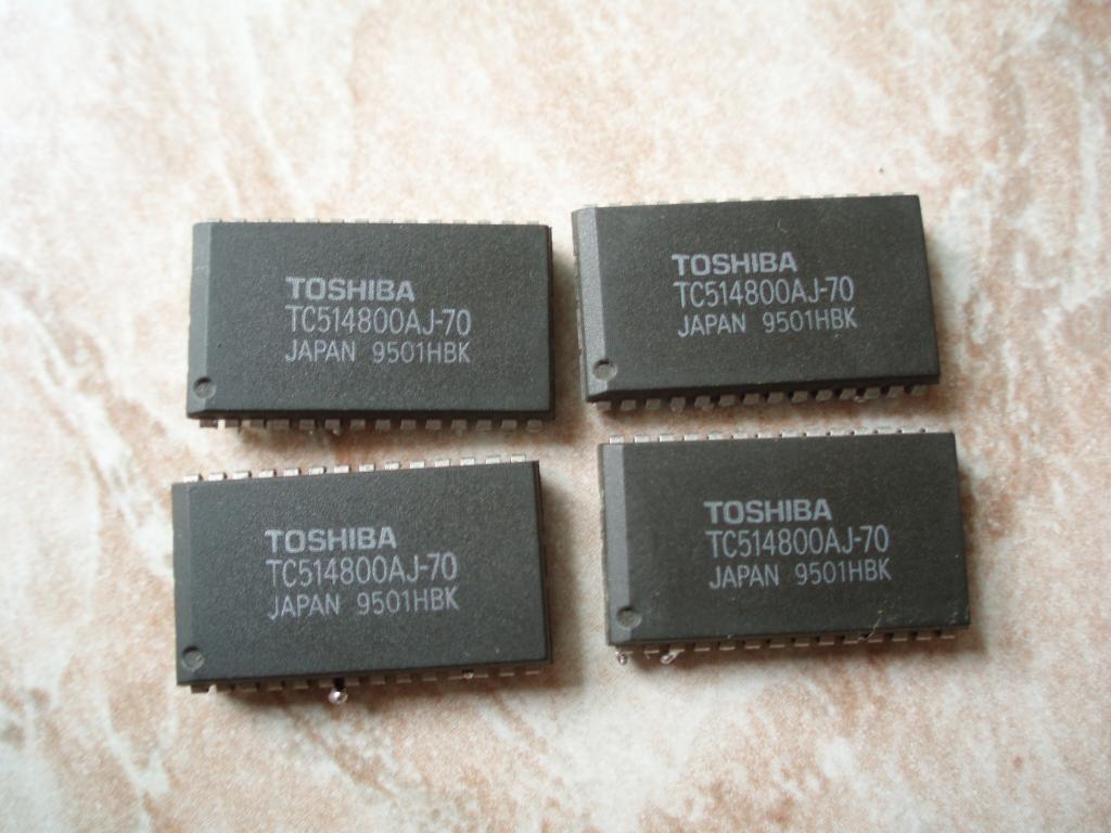 TOSHIBA TC514800AJ-70 524288 WORD X 8 BIT DYNAMIC RAM CATLPC / 512k x 8 dram 70ns SOJ-28