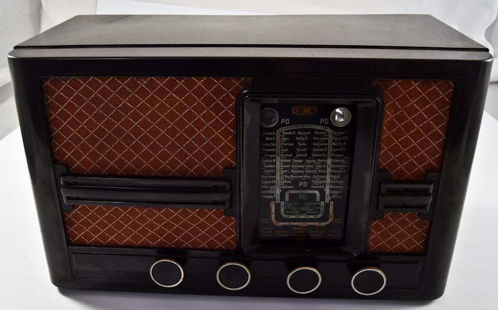Ламповый радиоприёмник «DESMET». Европа.  Арт. 9ВТ1325