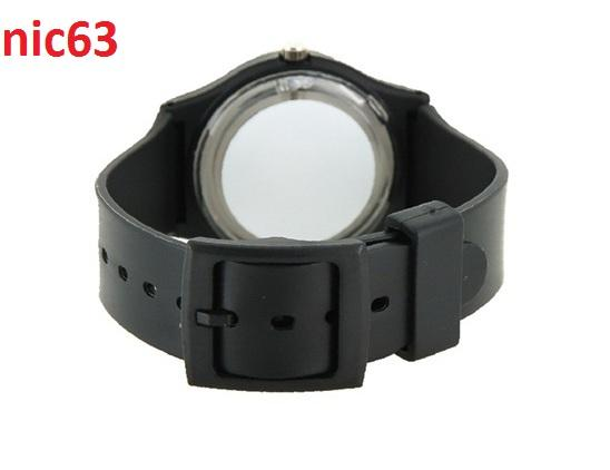 Наручные часы с круглым циферблатом 6018