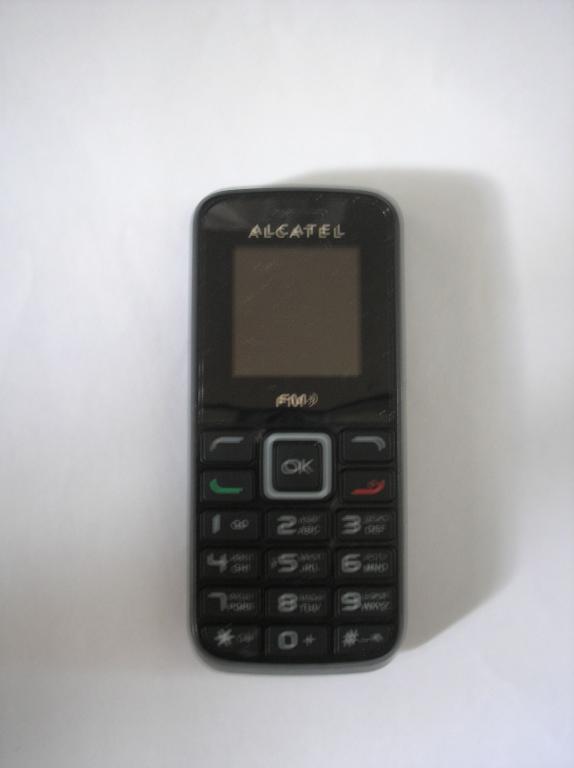 Alcatel 1010D +зарядка