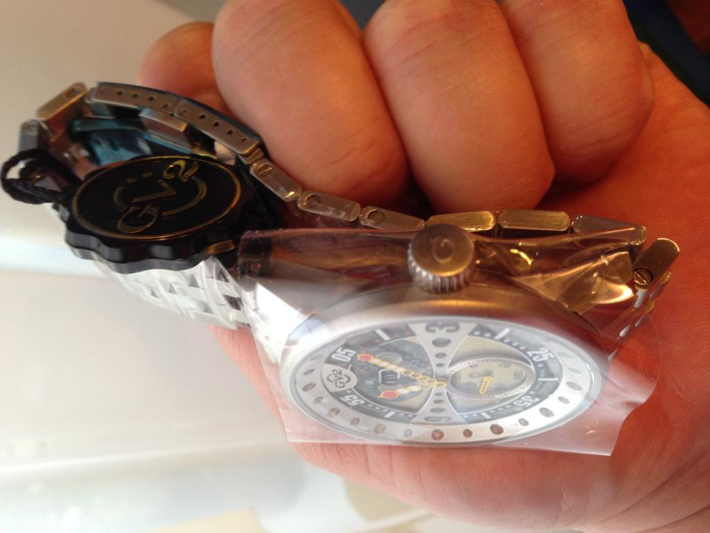 Новые Щвейцарские мужские часы GV2 By Gevril 4042В MSRP $2906