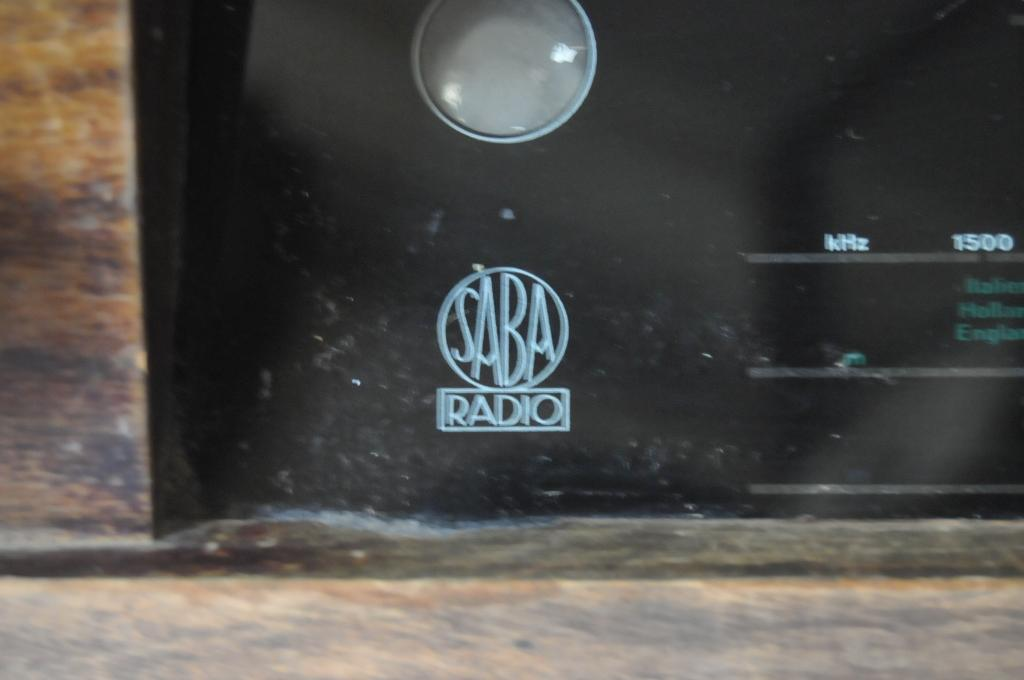 РАДИОПРИЕМНИК ЛАМПОВЫЙ SABA RADIO