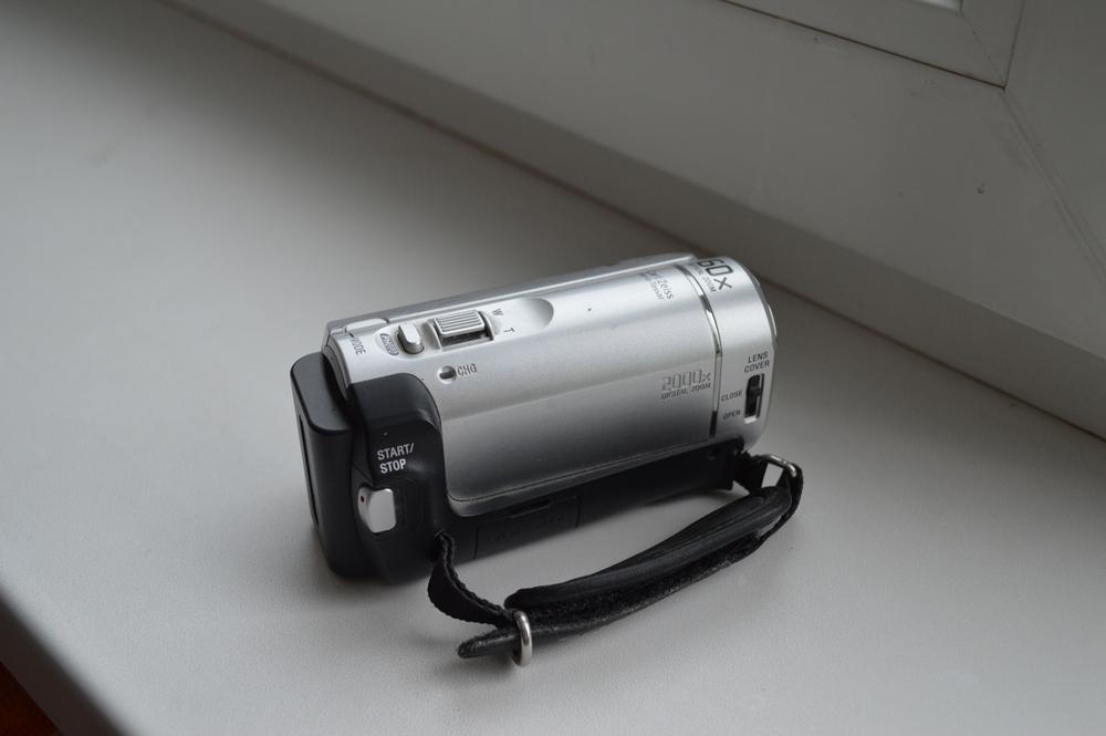 Видеокамера Sony DCR-SX40