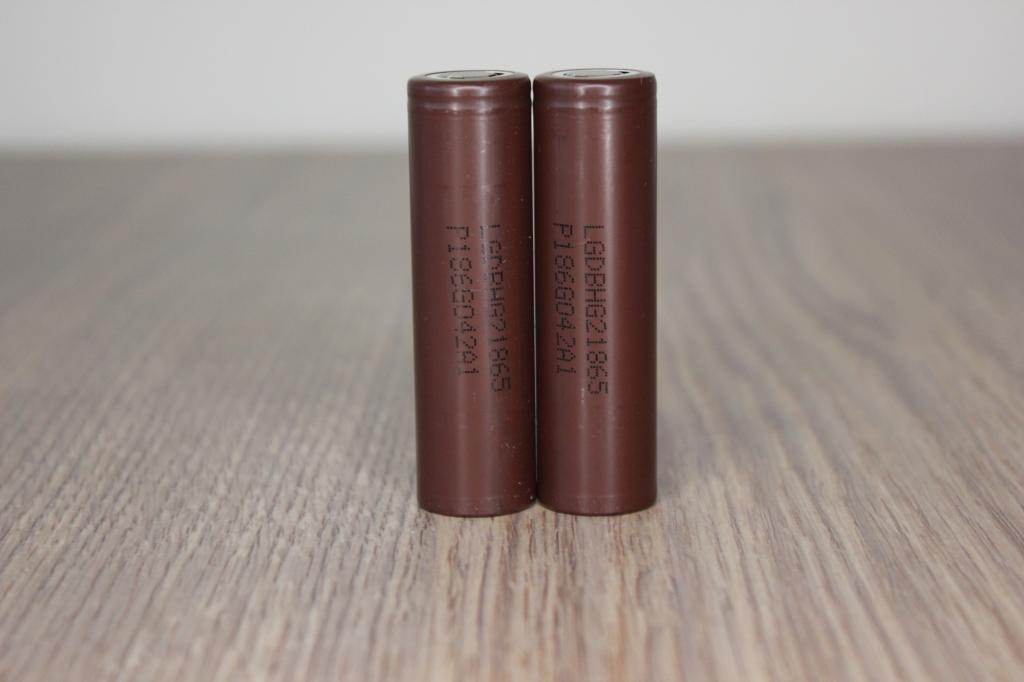 батарея LG INR18650 HG2 20A 3000 мАч 2шт.