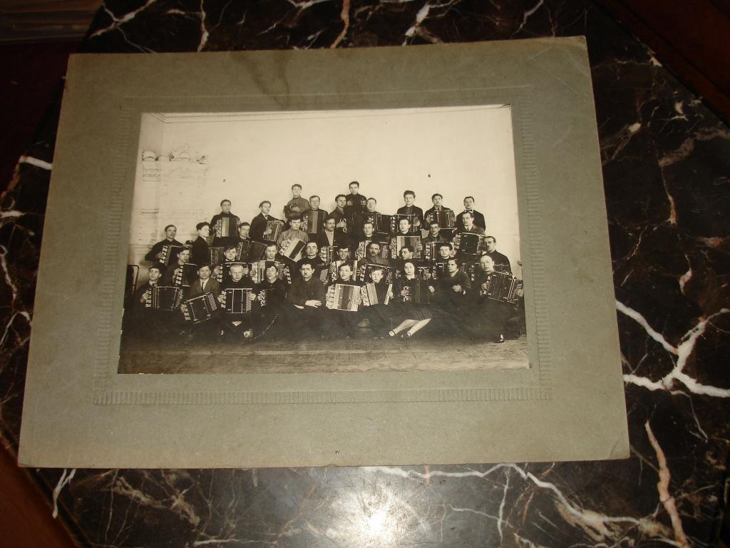 фотоТИПАЖИ ЭПОХИ.ОРКЕСТР ГАРМОНИСТОВ под упр.А. Клейнарда при 3-м гос.муз.техникуме ЛЕНИНГРАД 1928г.