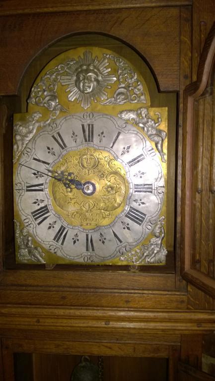Часы напольные. Лондон. 19 век. Корпус : дуб.