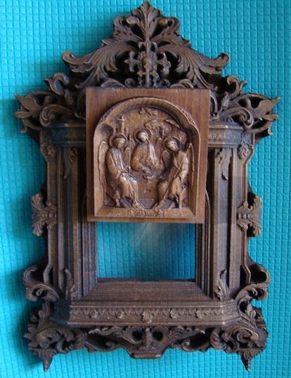 Резной деревянный Киот с иконой Святая  Троица