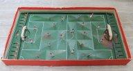 Настольный футбол СССР, один из ранних, жестяные ворота, 1960 годы.