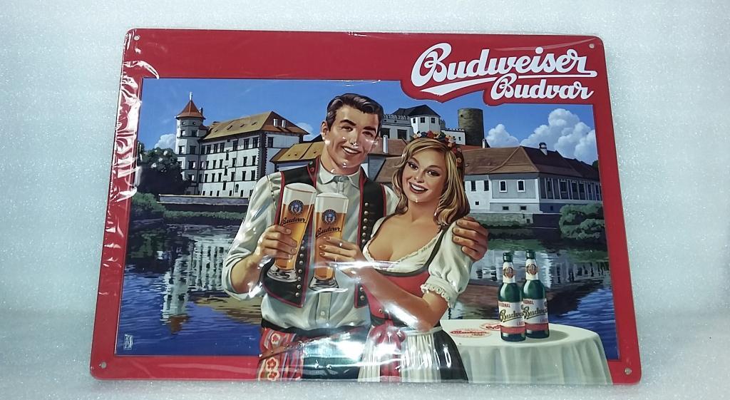 Пивная табличка. Пиво. Бренд. Металл. Жесть. Рельефная. Выпуклость. Реклама. Логотип.