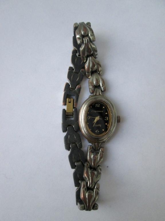 ff6450cb0372 Часы наручные женские Спутник кварц с браслетом