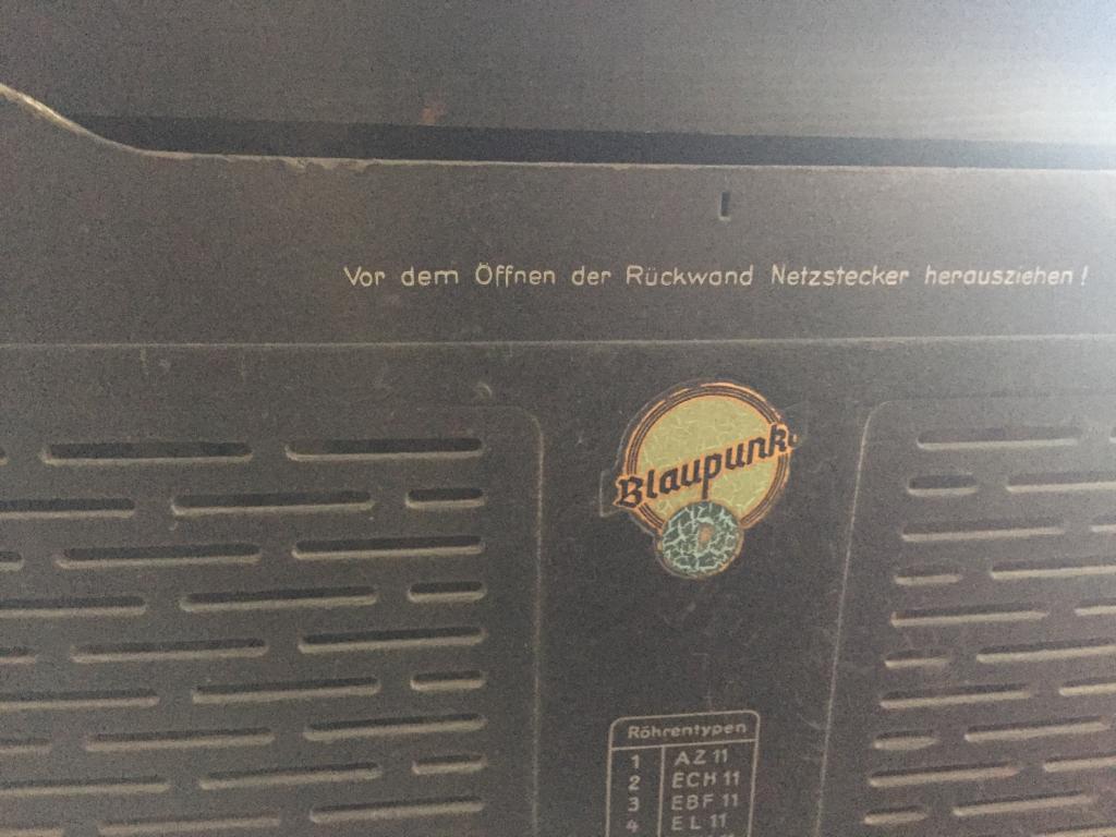 """Радио приемник.Трафейный. blaupunkt """" 1938-1945 год выпуска."""