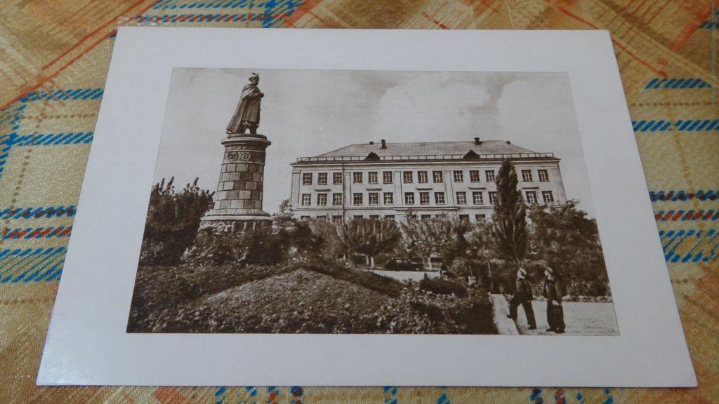 Чернигов на старинных открытках