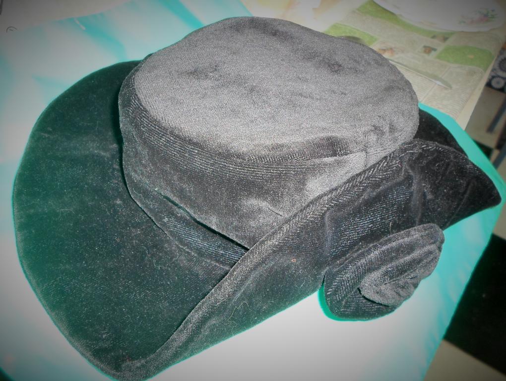 Шляпа женская,велюровая,импорт