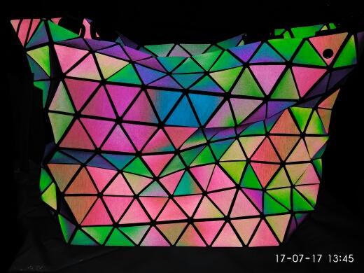 Шикарная сумка, меняющая цвет