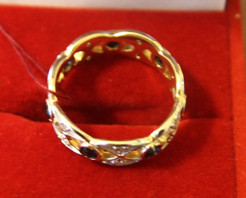 Кольцо с сапфирами 1,13 ct и бриллиантами 0,20 ct золото 585 пробы 3.06 грамм