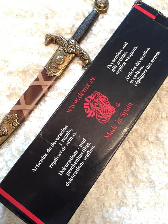 Нож подарочный, декоративный.