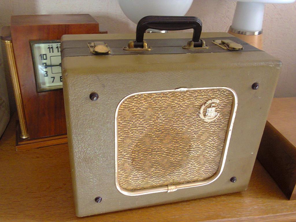 Радиограммофон Ламповый Эльфа-12 ,1961год