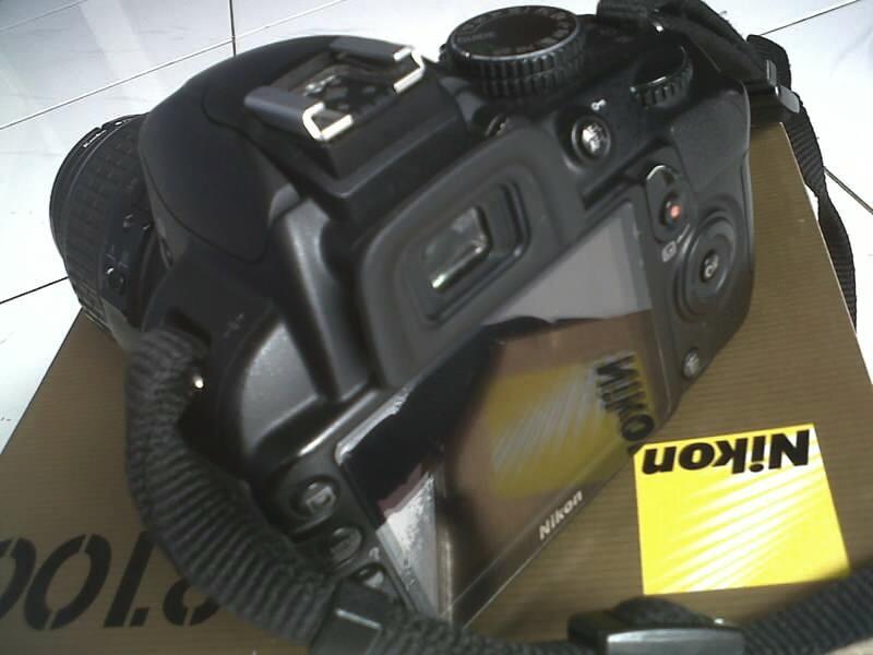 Nikon D3100   VR 18-55 kit