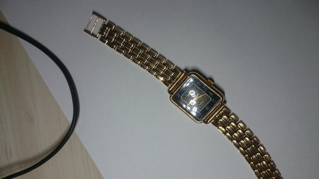 Часы продать золотые москва продам часы электроника