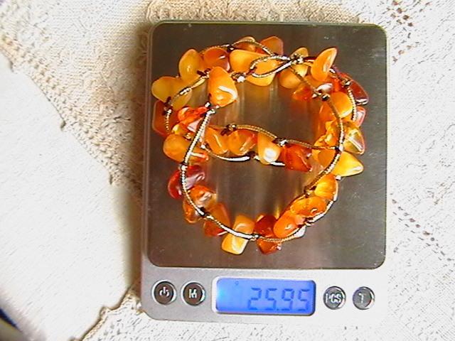Натуральный янтарь. Браслет или чокер. Длина 38 см. Вес изделия 25 грамм.